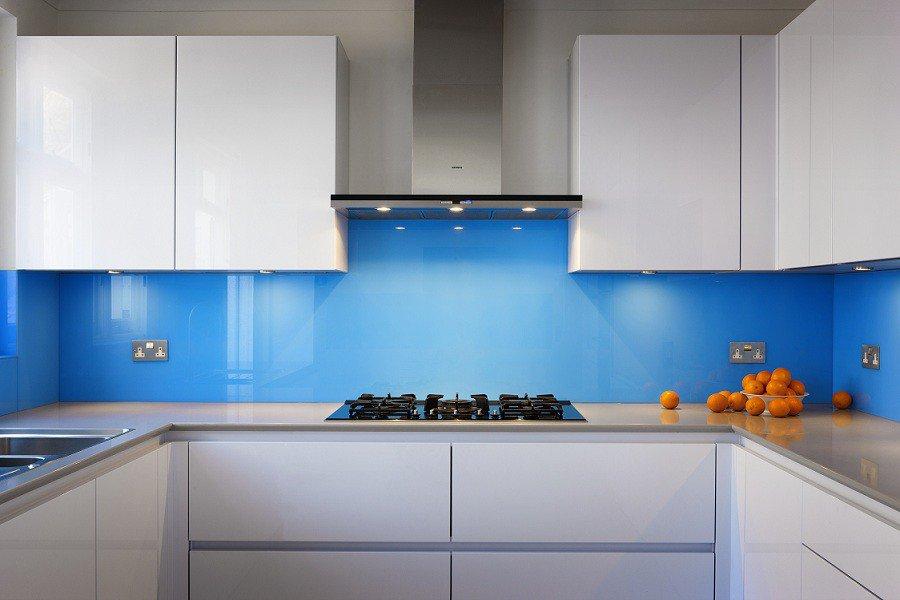 Дизайн фартука для кухни из стекла фото