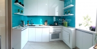 Оформление кухни стеклом DecoCristal